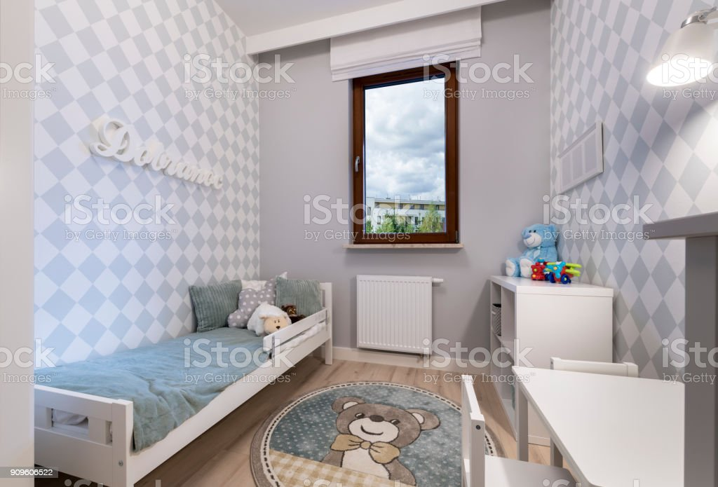 Kinder im Zimmer – Foto