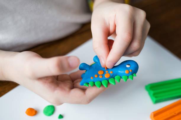 dziecięce kształty plasteliny - glina zdjęcia i obrazy z banku zdjęć