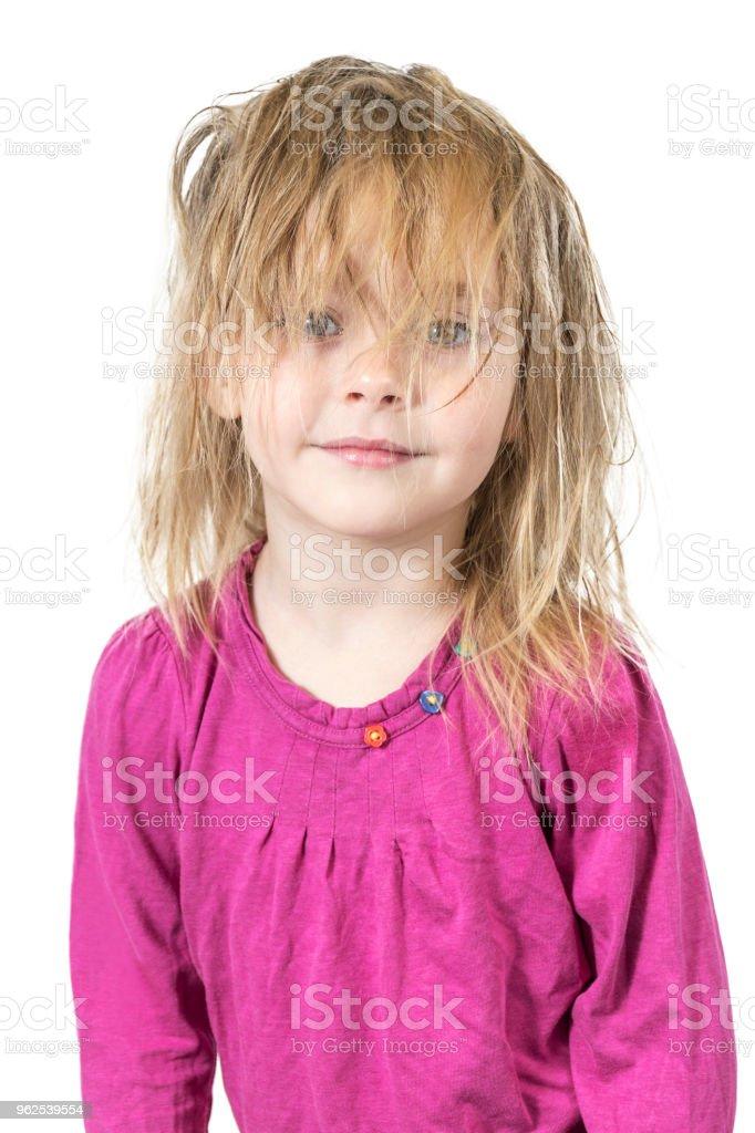 Criança com cabelo nos olhos - Foto de stock de Alegria royalty-free