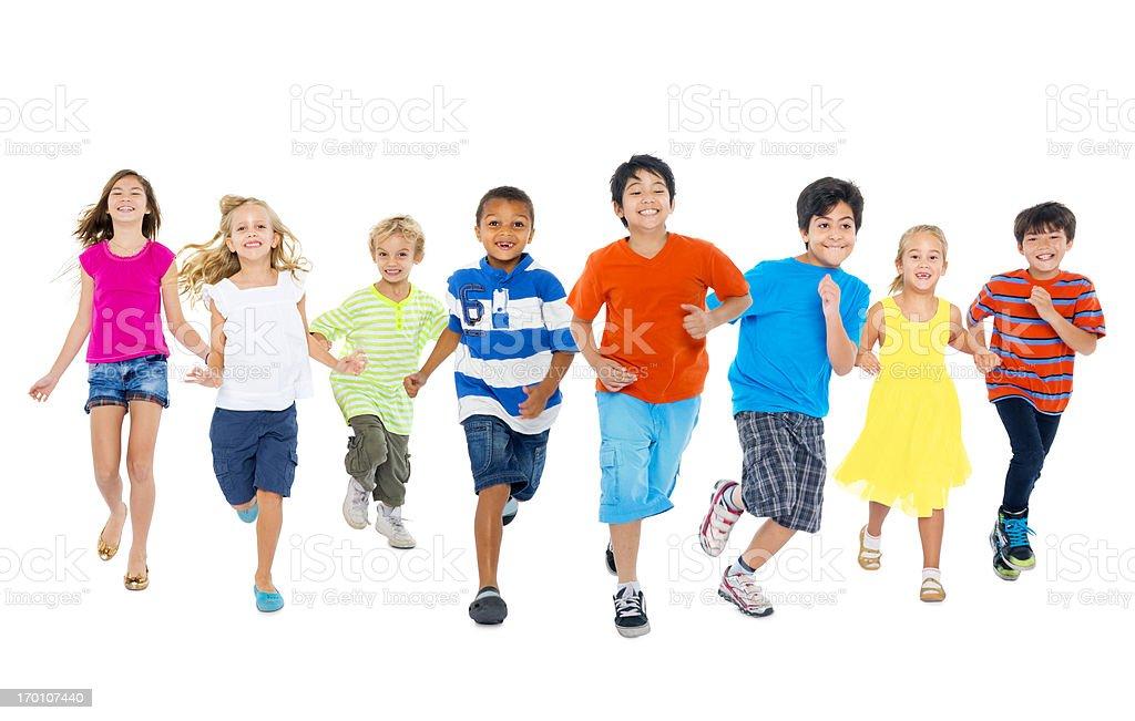 Kinder spielen zusammen – Foto