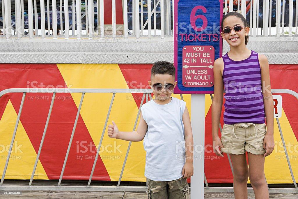 어린이들은 놀이 공원 royalty-free 스톡 사진
