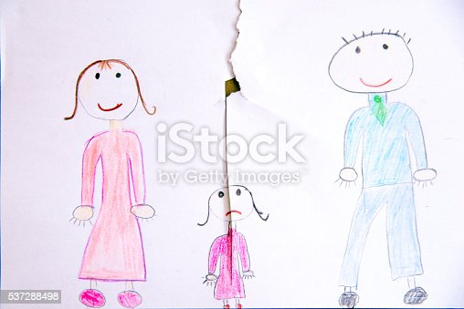 istock Children Drawing - Divorce 537288498