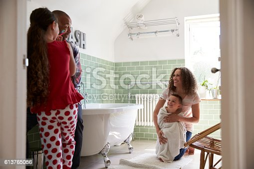 istock Children Having Bath And Brushing Teeth In Bathroom 613765086