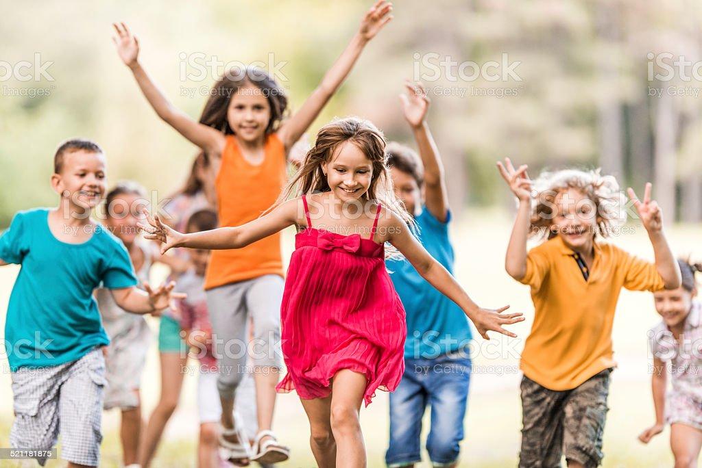 Kinder, die Spaß im park. Lizenzfreies stock-foto