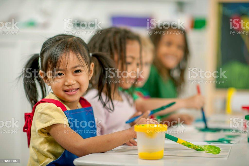 Fotos De Niños Pintando En Clase - Fotografía de stock y más ...