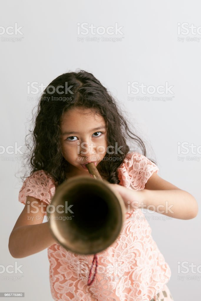 Bugle spelende kinderen - Royalty-free 4-5 jaar Stockfoto