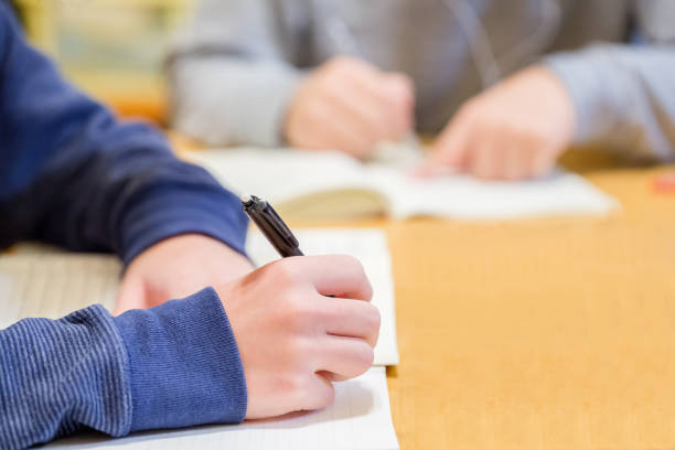 お子様の勉強 - 中学校 ストックフォトと画像