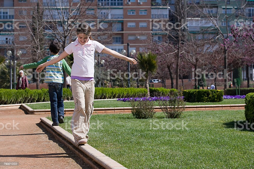 Children walking with arms open royalty-free 스톡 사진