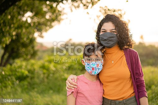 Children, Mask N95, Outdoors, Embracing, Family