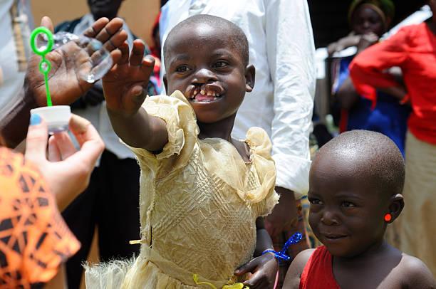 Kinder spielen mit cleft Gaumen – Foto