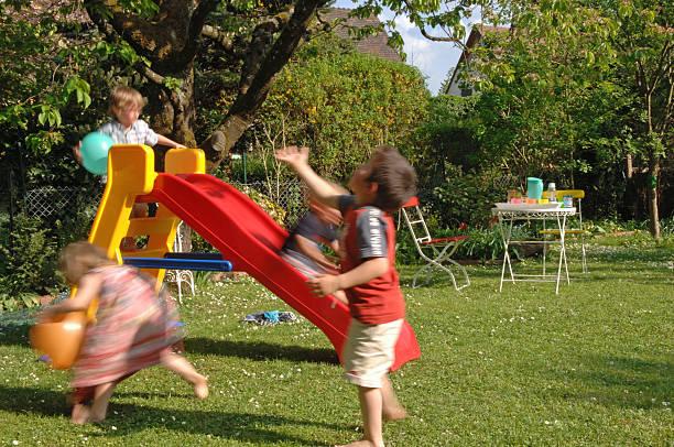 children's birthday party - sommerfest kindergarten stock-fotos und bilder