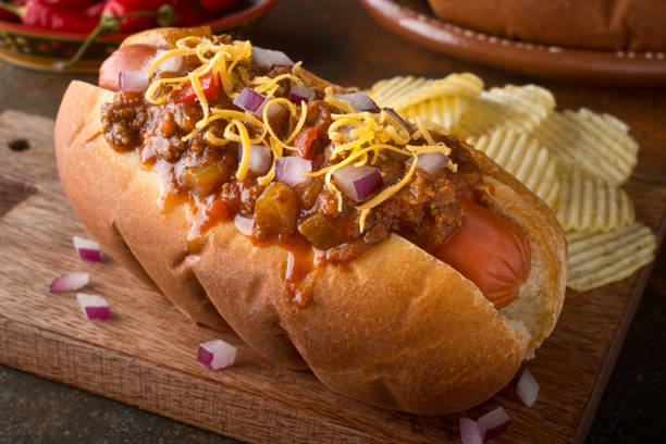 chili dog - hot dog stock pictures, royalty-free photos & images