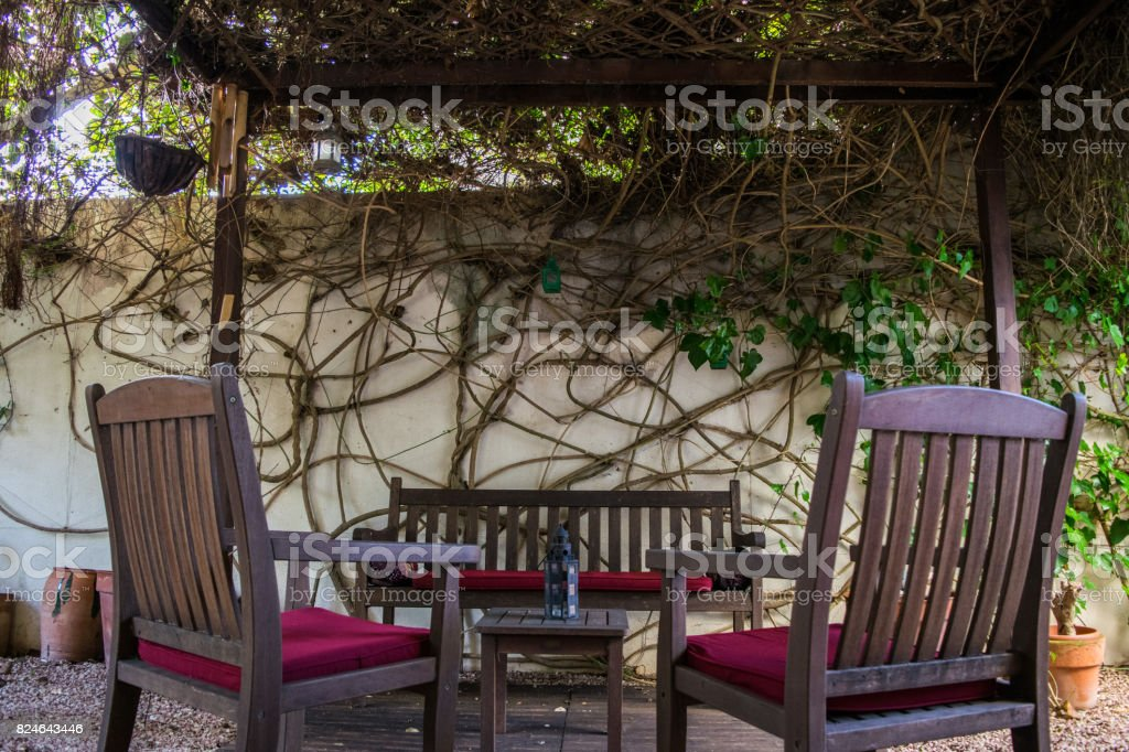 Escalofriante Vintage Acogedor Terraza Española Con Mesa Y
