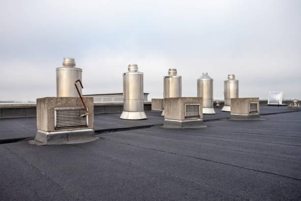 Schornstein auf dem Dach – Foto