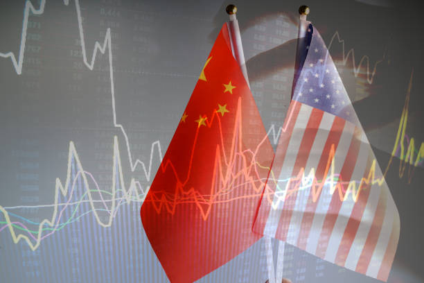 China amd USA flag with grey background studio shot - foto stock