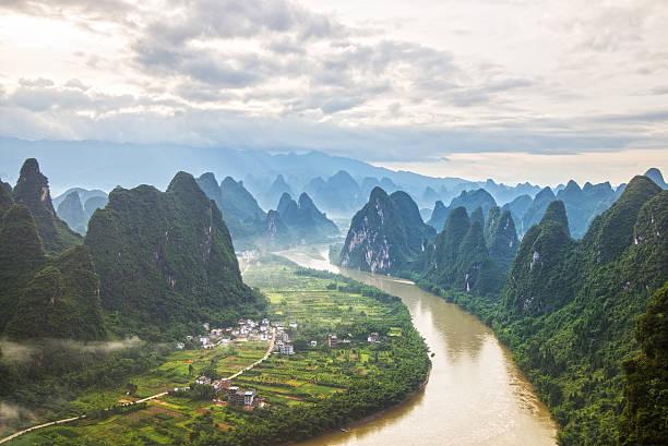 china guilin messire mountain scenery - 카르스트 지형 뉴스 사진 이미지