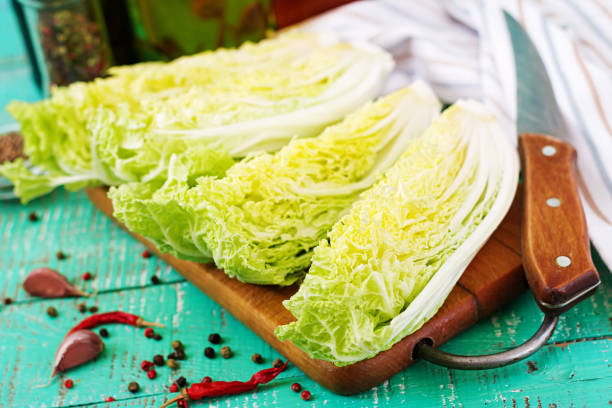 chinese cabbage. preparation of ingredients for kimchi cabbage. korean traditional cuisine. - cavolo foto e immagini stock