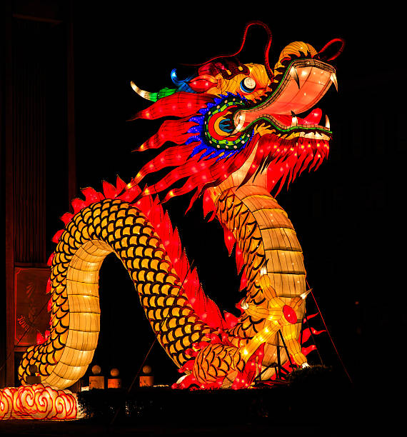 drago la notte - festival delle lanterne cinesi foto e immagini stock