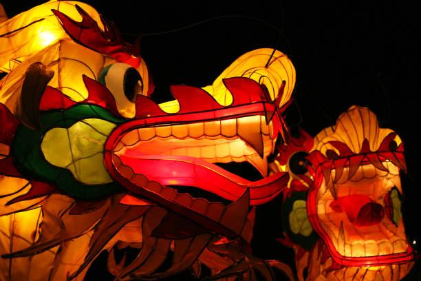 chinese dragon lanterns - festival delle lanterne cinesi foto e immagini stock