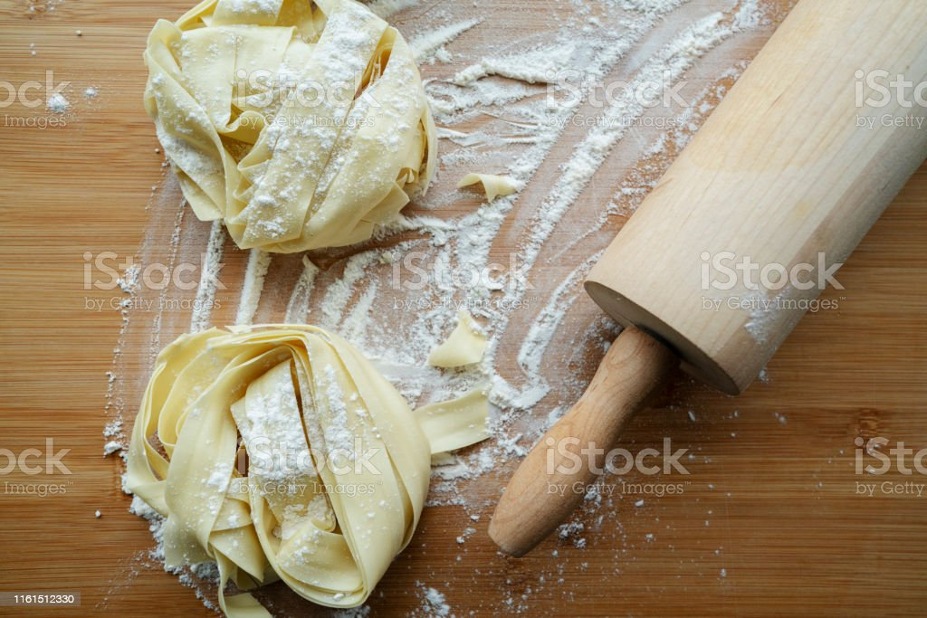 Chinese Dried Ramen Noodles Stock Photo - Download Image Now ...