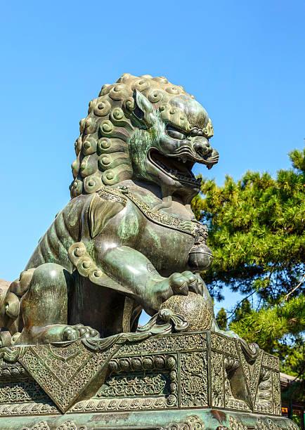chinesische guardian lion - engelportal stock-fotos und bilder