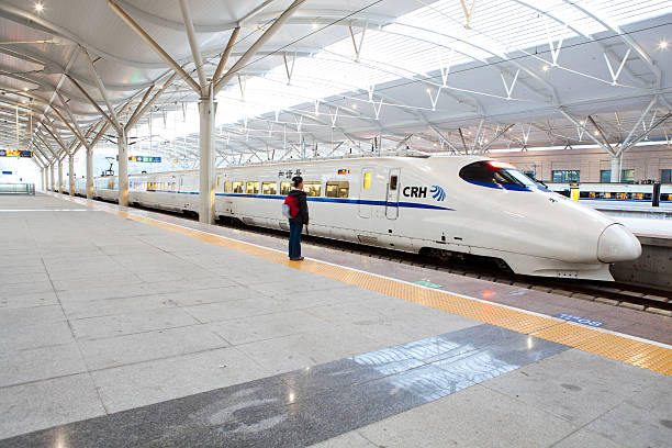 Chinesische high-speed-Zug im Bahnhof – Foto