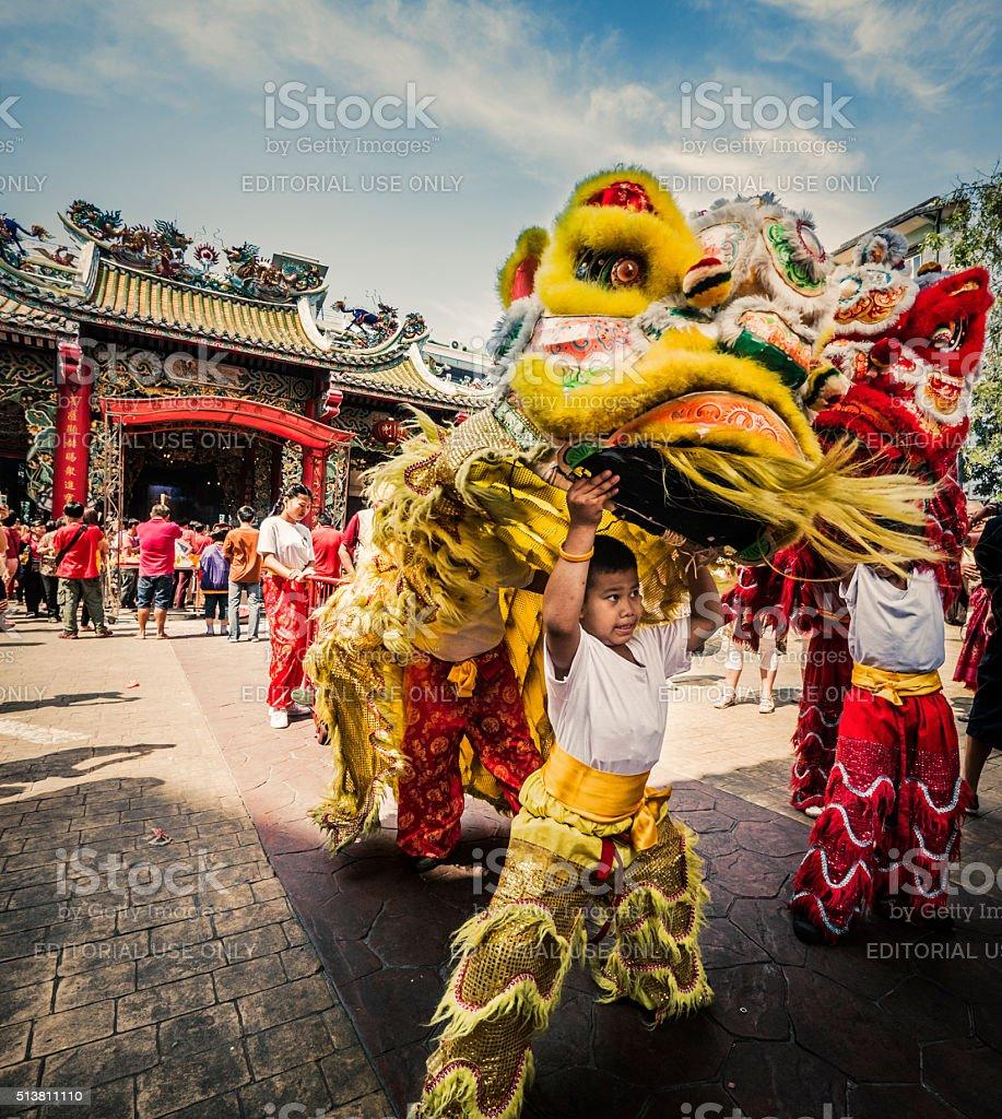 中国のライオン・ダンスの新年のチャイナタウンバンコク(タイ) ストックフォト