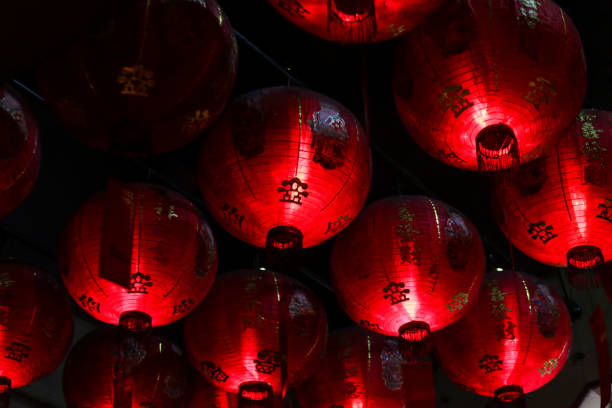chinese red lanterns - festival delle lanterne cinesi foto e immagini stock