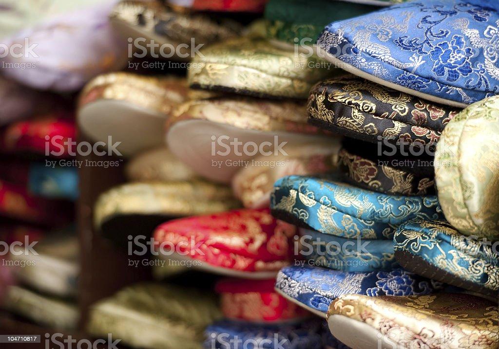 Seda chinesa chinelos - foto de acervo