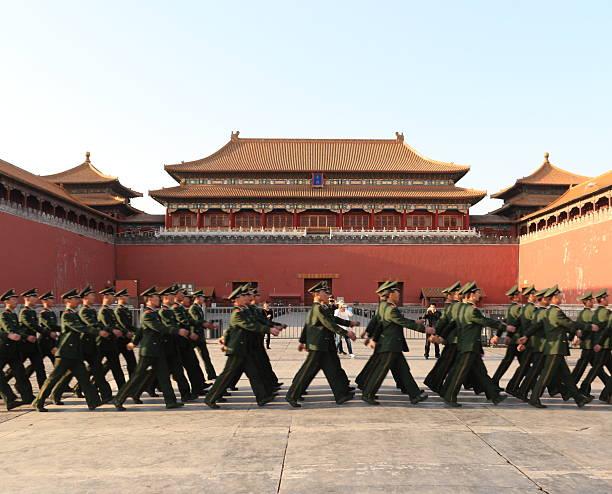 中国の兵士から紫禁城 - 共産主義 ストックフォトと画像
