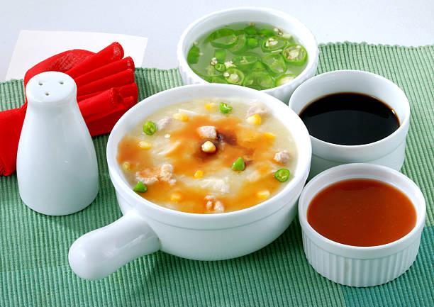 chinese soup - zout smaakstof stockfoto's en -beelden