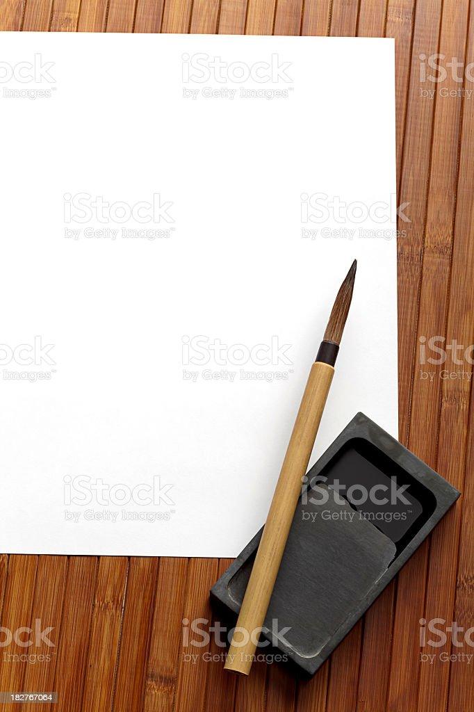 Fotografía de Escritura China Herramientas Papel Blanco Vertical ...