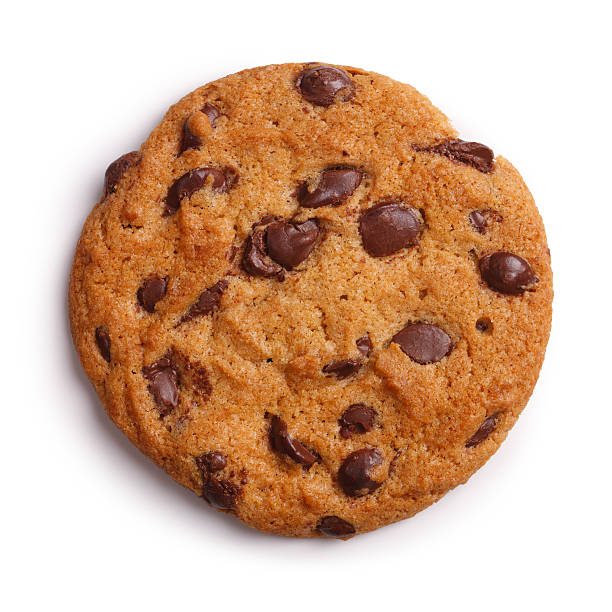 schokolade-chip-cookie, isoliert clipping path - keks stock-fotos und bilder