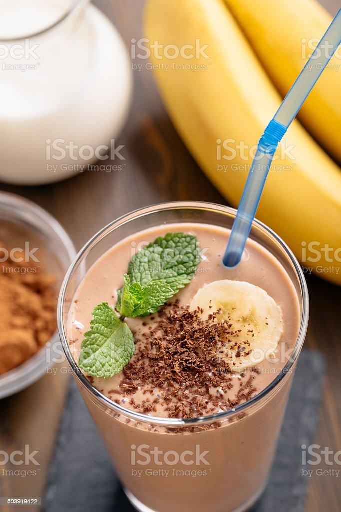 Шоколадный Банановый смузи выше стоковое фото
