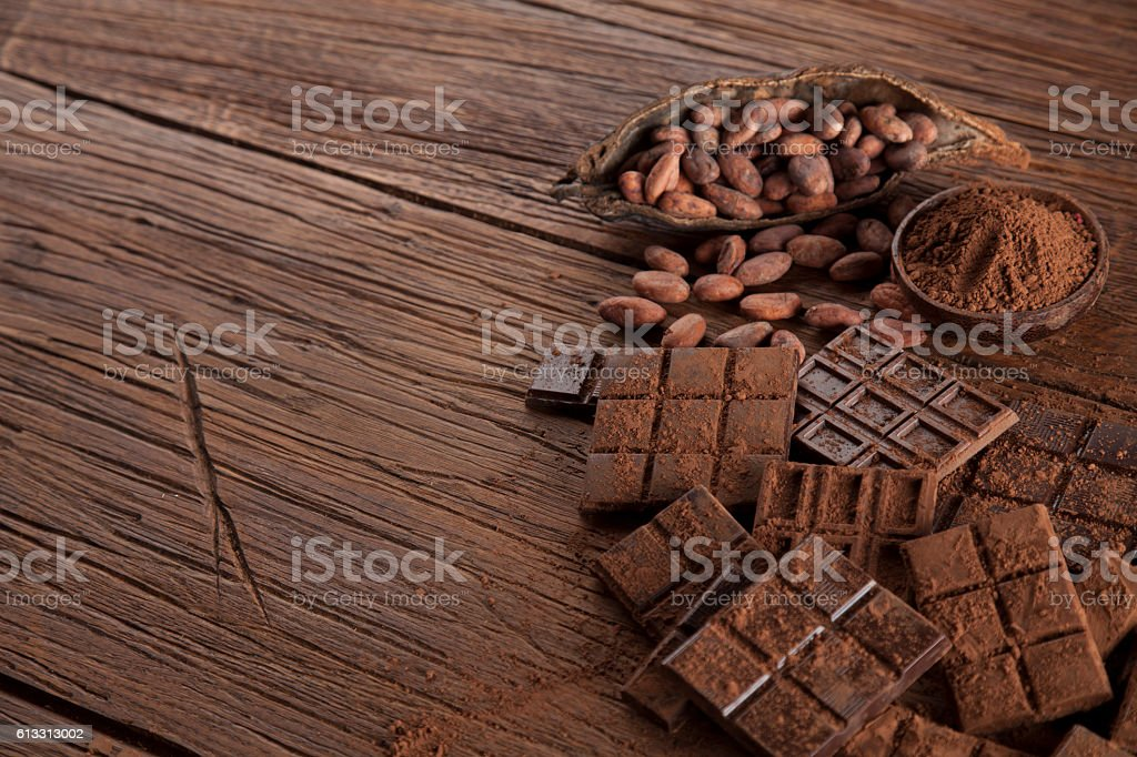 Chocolate bar, candy sweet, dessert food on wooden background – Foto