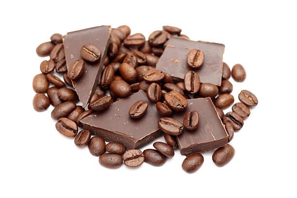 schokolade und kaffee bohnen - mocca stock-fotos und bilder