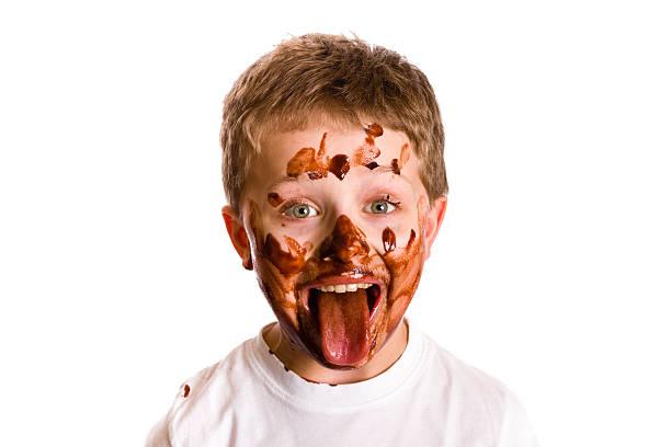 menino de chocolate - boca suja imagens e fotografias de stock