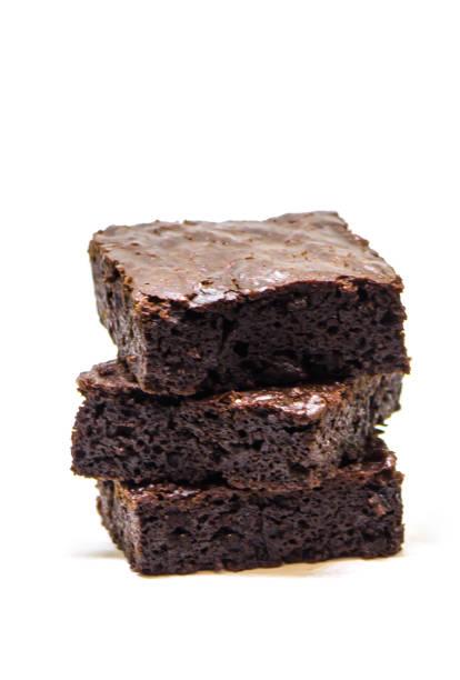 choklad brownie. hemmagjord bakning. selektivt fokus. mat. - brownie bildbanksfoton och bilder