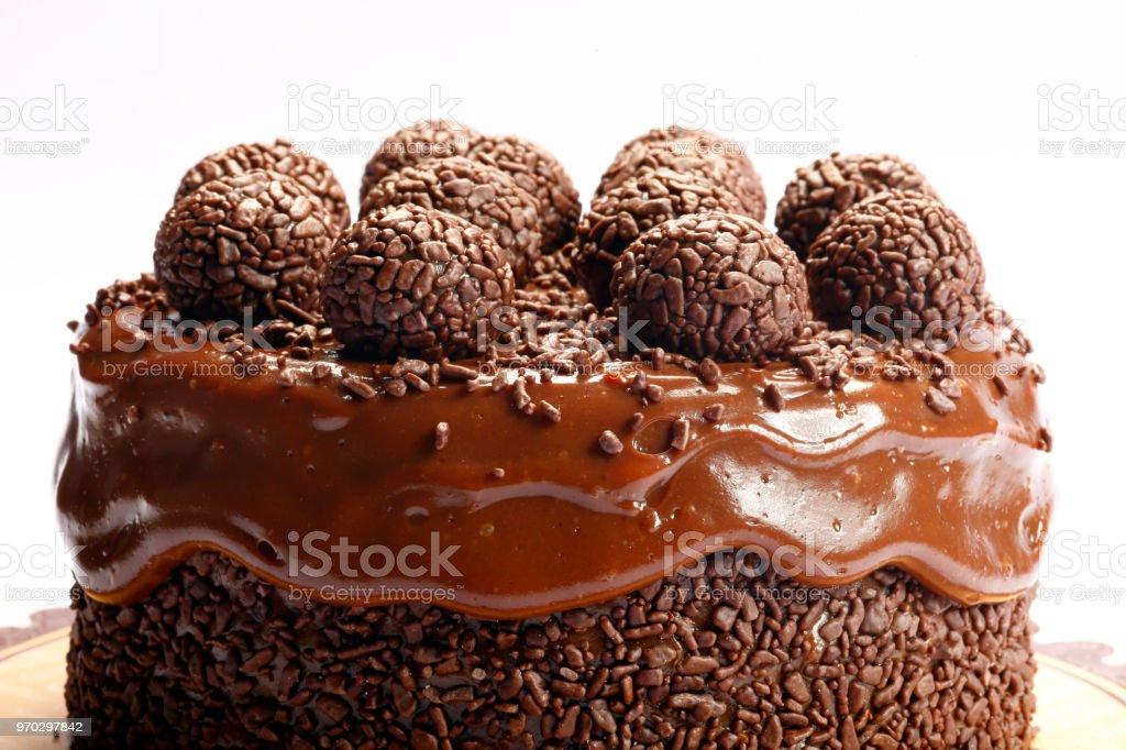 Bolo de chocolate com bombom - foto de acervo