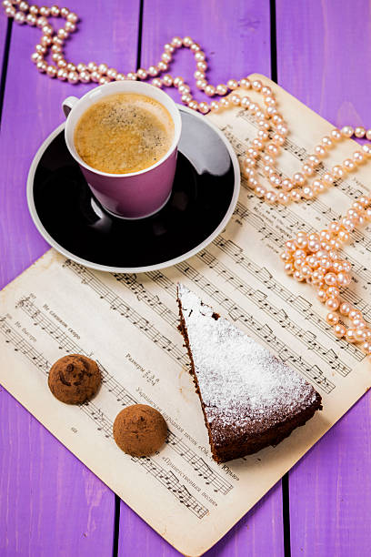 """schokolade kuchen """" mit ingwer - musik kuchen stock-fotos und bilder"""