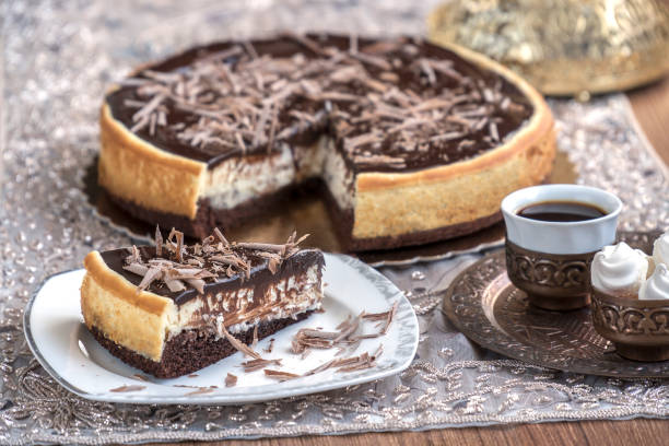 schokolade käsekuchen - oreo torte ohne backen stock-fotos und bilder
