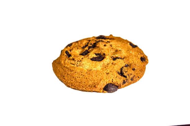 chocolate chip cookie, isoliert auf weiss  - low carb kekse stock-fotos und bilder