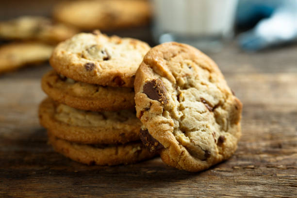 Chocolate chip cookies Homemade chocolate chip cookies chocolate chip cookie stock pictures, royalty-free photos & images