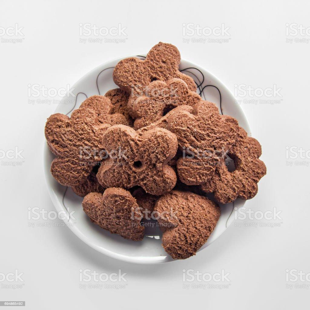 Chocolate cookies on dish - fotografia de stock