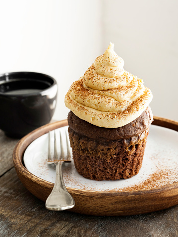 Cupcake, Chocolate, Brown, Gourmet, ganache, dessert, Cake, Muffin, Brownie, food and drink, cake cream, cinnamon, Frosting, Coffee - Drink, Autumn, Breakfast,Cream - Dairy Product, Buttercream, chestnut creamer, chestnut,
