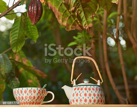istock Chocolate drink cup 931051774