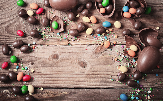 istock Chocolate Easter Eggs Over Wooden Background 925248718