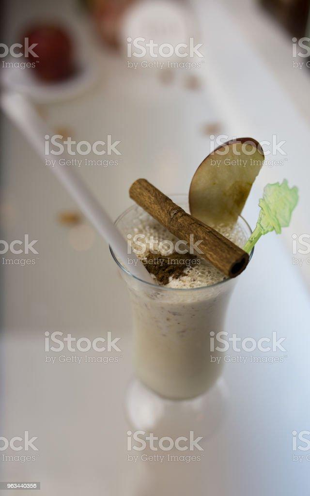 Çikolatalı martini kokteyl - Royalty-free Bar - İçkili mekan Stok görsel