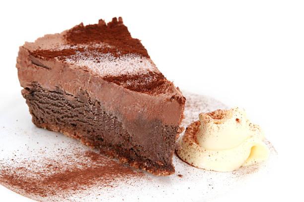 chocolate mousse cake - schokoladen trüffeltorte stock-fotos und bilder