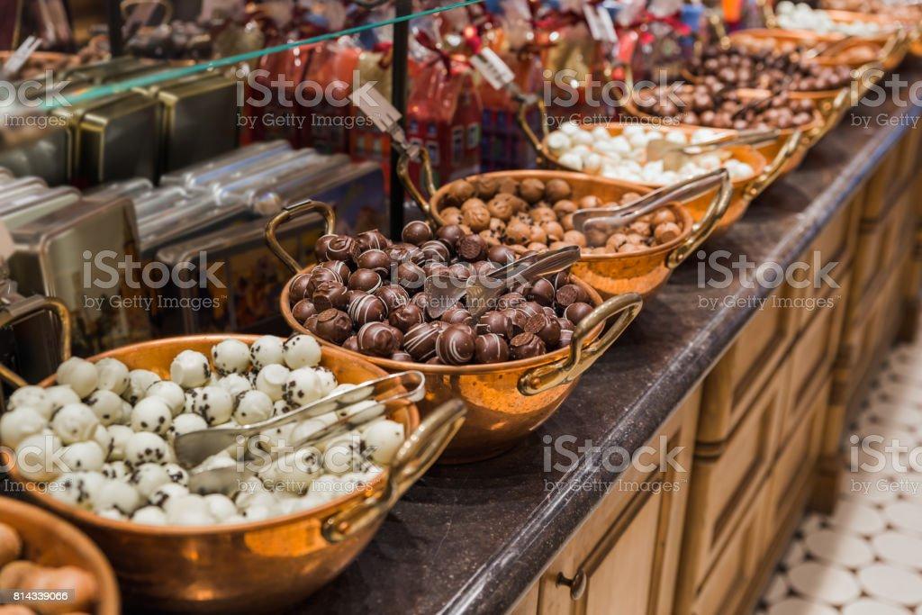 Bonbons au chocolat dans la boutique - Photo
